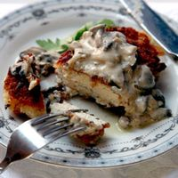 Pozharsky Cutlets with Mushroom Sauce