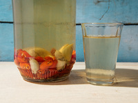Hawaiian Chile Pepper Water with Garlic and Vinegar