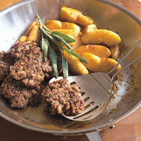Country-Style Sausage with Fried Apples
