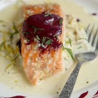 Slow-Cooked Salmon with Creamy Leeks and Red Wine Butter