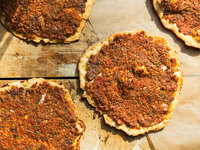 Turkish Flatbread with Lamb and Tomatoes (Lahmacun)