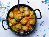 Lamb Meatballs with Carrots and Potatoes (Koufteh Ghelgheli)