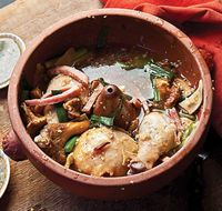 Clay-Pot Chicken with Chanterelles (Jiyou Jun Bao Ji)