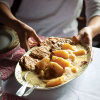 Székelyalmás (Pork with Apples and Cider Cream Sauce)