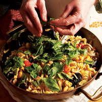 Cozz'e Fasule (Mixed Pasta with Cannellini Beans and Mussels)